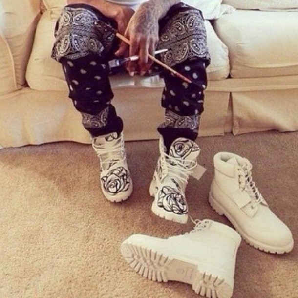shoes timberland boots shoes white bandana pants paints