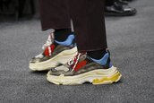 shoes,balenciaga triple s,balenciaga,sneakers,mens sneakers