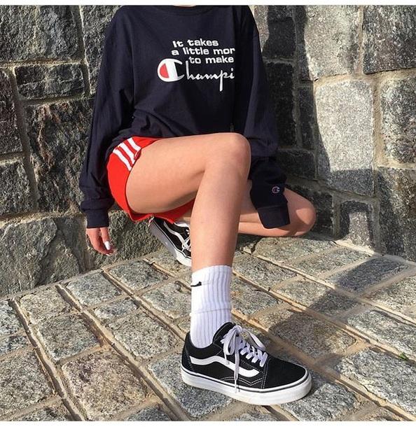 sweater vans champion teenagers style scrapbook style fashion toast fashion vibe fashion streetstyle streetwear kanye west pants hoodie