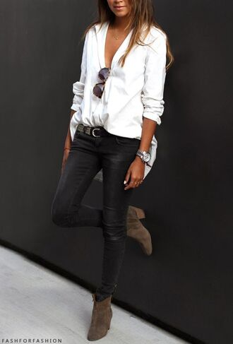blouse pants leggings skinny pants black white sunglasses boots shoes white top style jeans booties bootie heels black jeans ankle boots jewels belt khaki shoes khaki chemise blanche white blouse white shirt shirt khaki boots asymmetric shirt denim mid heel boots streetstyle