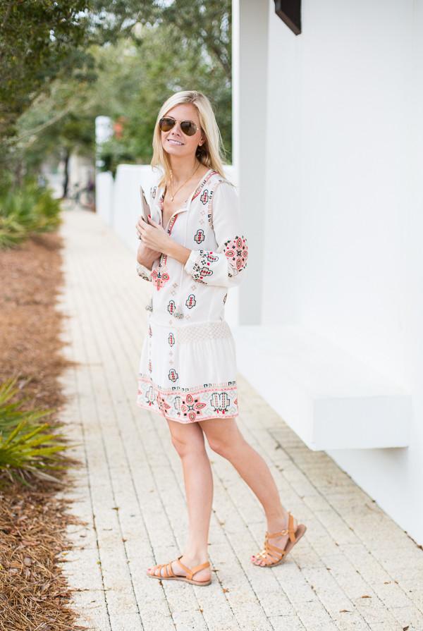 a piece of toast blogger dress tunique sandals