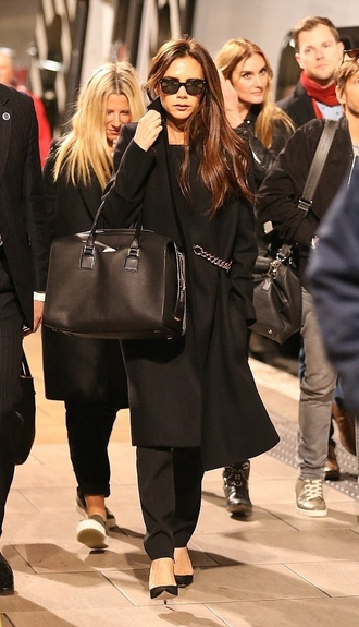victoria beckham bag coat fall outfits streetstyle
