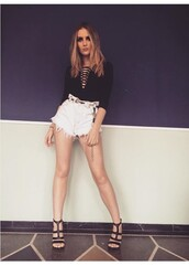 shorts,white,big,loose,tight in the waist,pockets,pants,short shorts,ripped,perrie,womens short shorts,ripped shorts