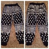 jeans,black,white,bandana,pants,baggy,pajamas,black and white jogging  pantss,swag,joggers,dope,style,bandana print joggers