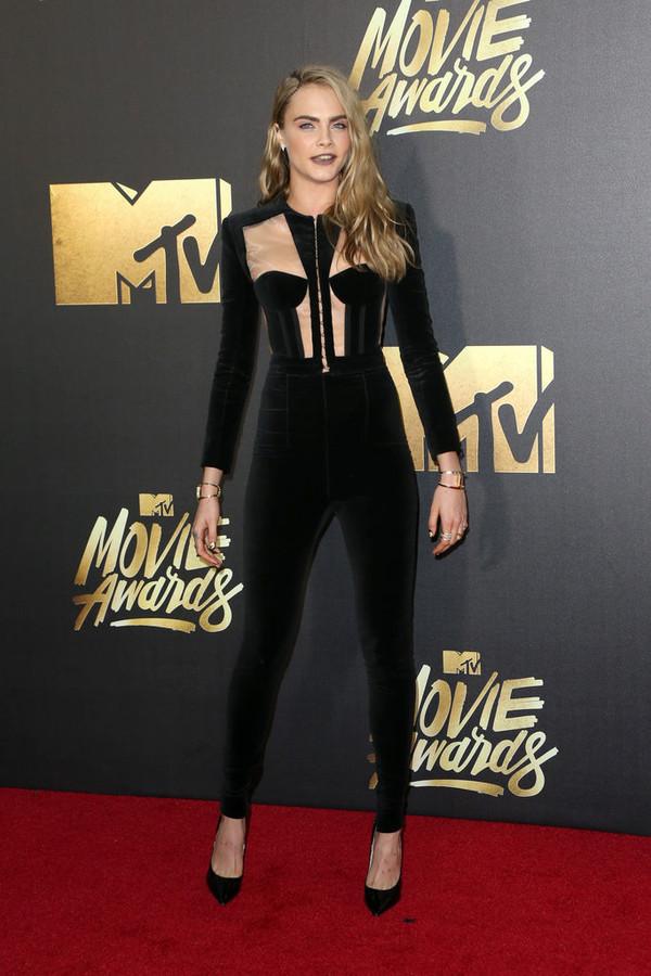 jumpsuit black sexy cara delevingne pumps mtv movie awards top bustier long sleeves black heels shoes pants velvet