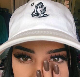 cap drake clothing drake urban tumblr tumblr outfit tumblr girl nail polish dope hat white hands white hat baseball cap snapback black and white 6 god ovoxo black pray for paris make-up tumblr clothes love girl girly girly wishlist instagram 6ix god pray hands