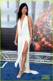 dress,rihanna,celeb,celebrity,celebrity style,you want,dope,all white everything,white dress