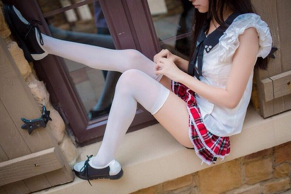 skirt red skirt plaid skirt plaid stockings frills thigh highs
