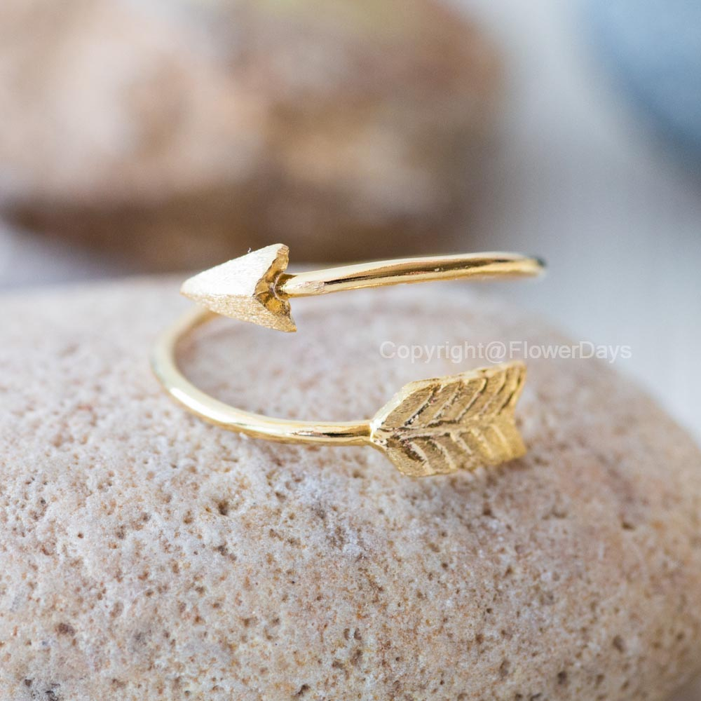 Arrow rings,adjustable ring in gold on luulla