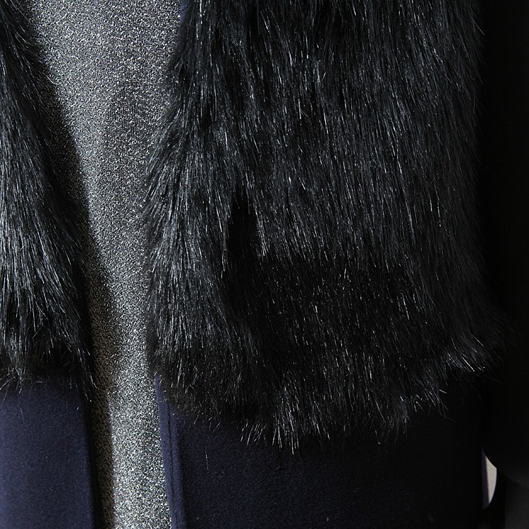 Black Contrast Fur Sleeveless Split Coat - Sheinside.com