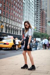 lady addict,blogger,t-shirt,sunglasses,skirt,shoes