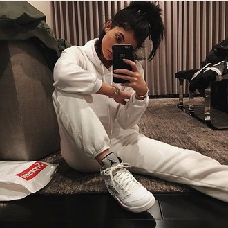 shoes jordans joggers sweatshirt kylie jenner