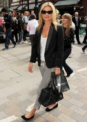 kate moss,black blazer,sunglasses,pants,jacket,lace up pants