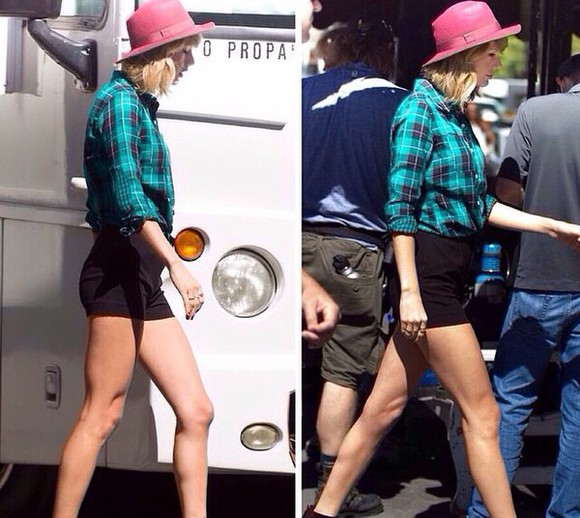 taylor swift green blouse plaid button up plaid, plaid shirt, plaid cropped top, cropped top, crop top, country taylor swift shirt blue purple blue and green!? blue plaid
