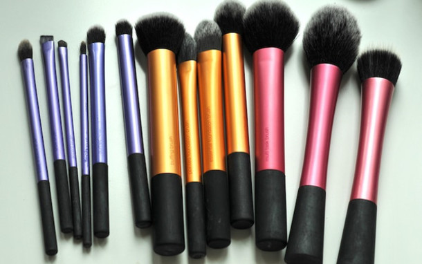 makeup brushes pink gold purple make-up