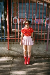 let's get flashy,blogger,skirt,top,shoes,sunglasses,make-up,pink skirt,pleated skirt,t-shirt,boots,red shoes