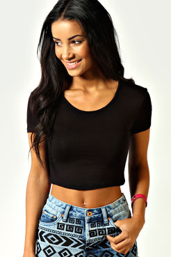 Nicola Short Sleeve Crop Top at boohoo.com