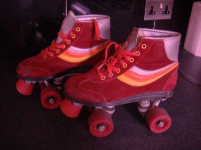 VINTAGE /RETRO ROLLER BOOTS SIZE 3 | eBay