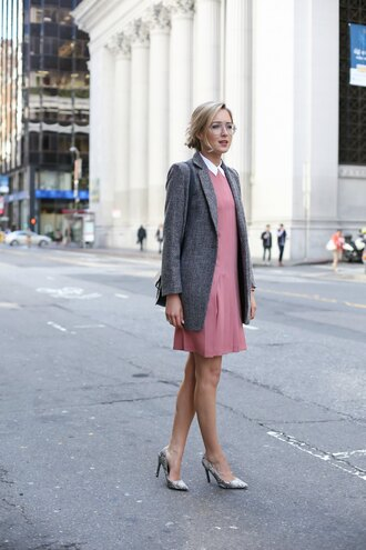 the classy cubicle blogger blazer pink dress grey heels lauren conrad t-shirt streetstyle glasses bag heels