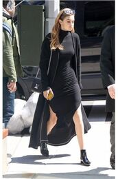 dress,all black everything,spring outfits,spring dress,gigi hadid,ankle boots,cardigan,purse,model off-duty