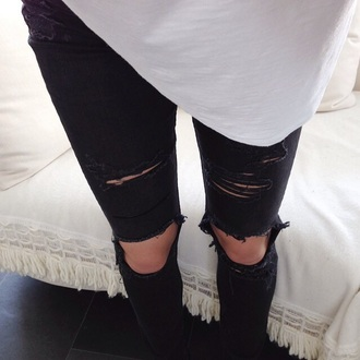 jeans ripped jeans black ripped jeans black jeans blouse black ripped black ripped pants pants used skinny jeans vans ripped skinny jeans ripped skinny black jeans s5sos knee hole jeans casual stylish pants style trendy fashion inspo outfit idea teenagers cool cute rad fashionista chill grunge tumblr black pants tumblr jeans grunge jeans