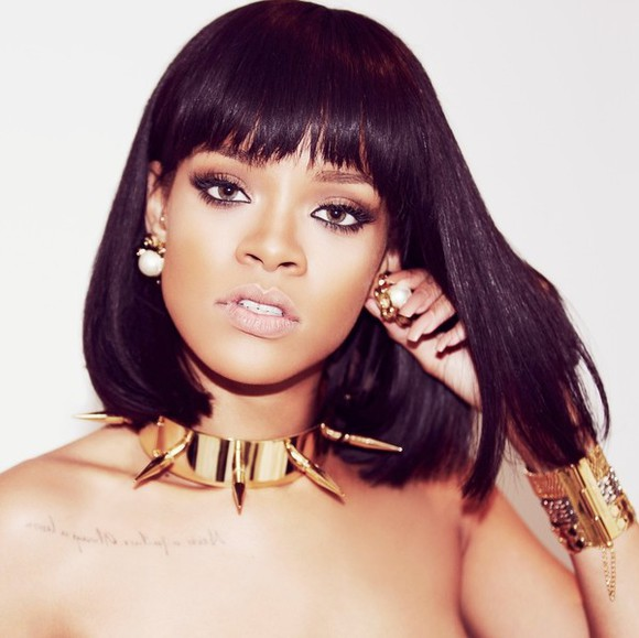 spikes gold jewels rihanna collier boucle d'oreille sexy tatouage riri perles pique