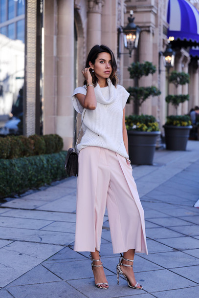 viva luxury blogger culottes knitwear baby pink sandals pants shoes bag jewels