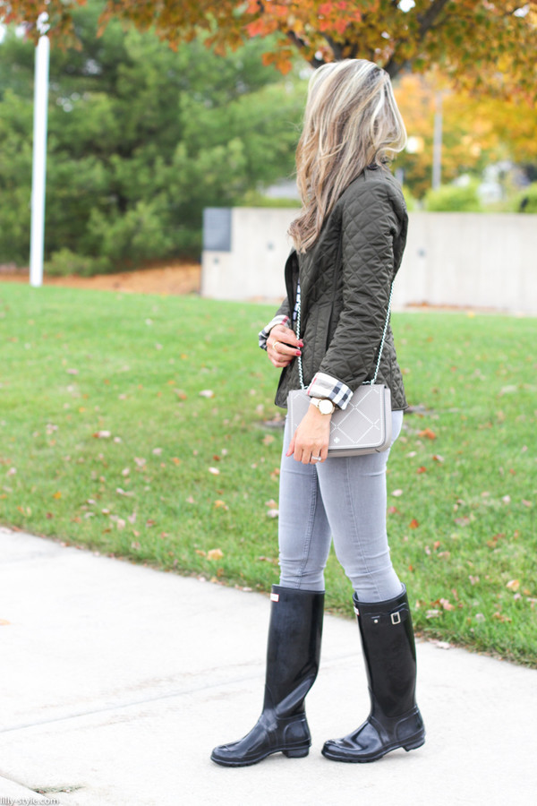 lilly's style blogger jacket t-shirt jeans shoes bag jewels sunglasses fall outfits crossbody bag wellies raincoat j crew nordstrom black boots kate spade rayban
