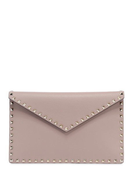 VALENTINO Rockstud Leather Envelope Pouch in pink