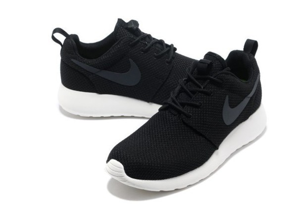 Look 1197336 Nike Roshe Run Mens