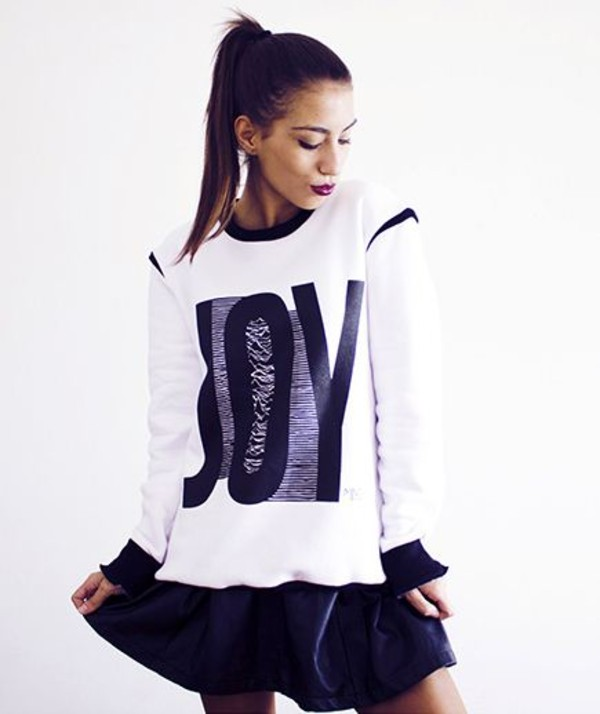 sweater white black and white jumper warm fall outfits fall outfits ootd urban cozy soft print print oversized sweater sweatshirt sweater black white and black sweater MINTFIELDS streetstyle