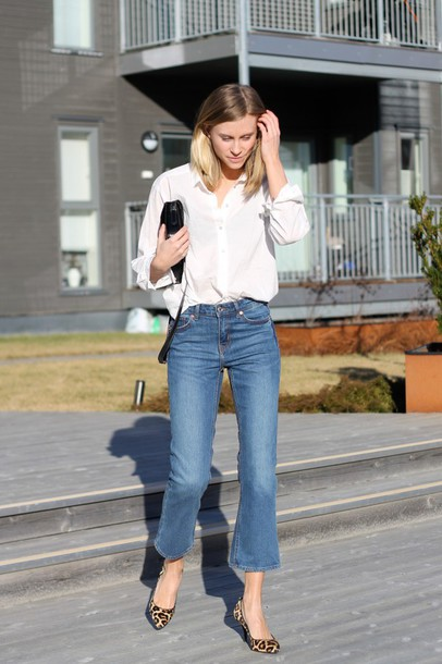 the fashion eaters blogger shoes bag jeans shirt flared jeans cropped flare kick flare cropped jeans denim flare jeans flare flare pants flaredenim cropped kick flare jeans Cropped Flared Jeans cropped bootcut jeans cropped bootcut blue jeans