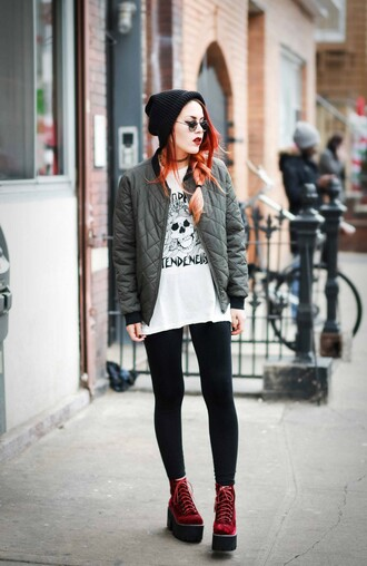le happy blogger leggings sunglasses bomber jacket grunge velvet platform shoes white t-shirt quilted velvet boots velvet shoes khaki bomber jacket t-shirt beanie black beanie black leggings round sunglasses platform boots velvet ankle boots jacket luanna perez green jacket army green jacket army green grunge shoes