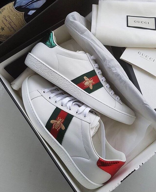 outlet store a8ca1 af64e Cheap NMD R1 Gucci Shoes Sale, Buy NMD R1 Gucci White Boost 2018