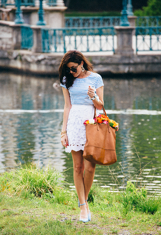 classy girls with pearls blogger shirt skirt shoes bag jewels