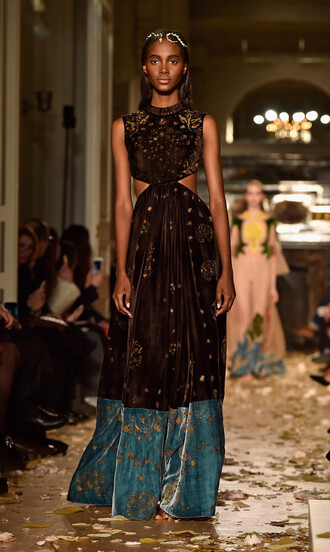 dress gown runway model haute couture fashion week 2016