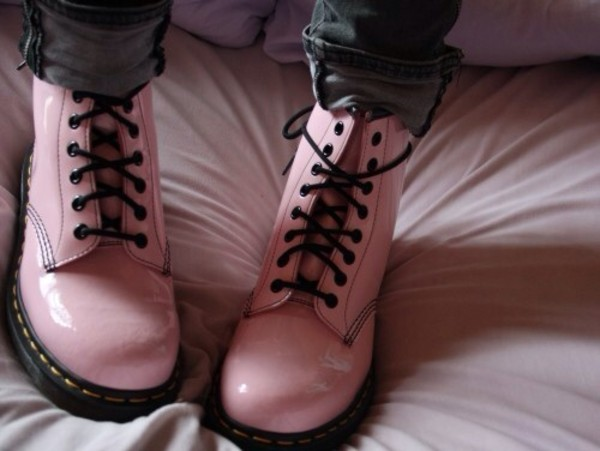 shoes DrMartens DrMartens doc martens boot boot boots combat boots pink latex patent pink boots rose DrMartens pastel kawaii soft pink pastel pink