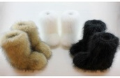 shoes,furry boots,eskimo,white,black,boots,snow boots,winter boots,fluffy,cute,soft,warm,fur,tan
