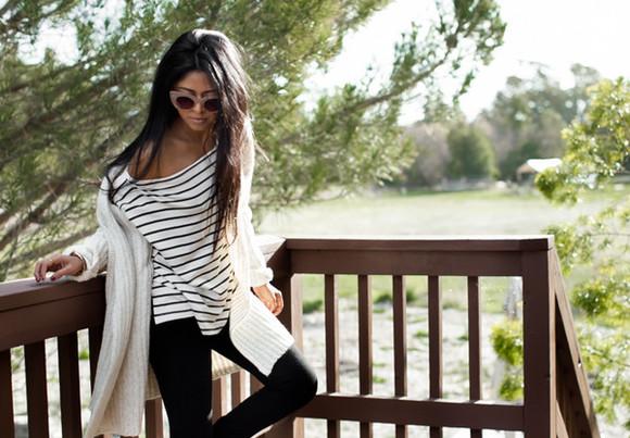 walk in wonderland blogger jeans top jewels cardigan