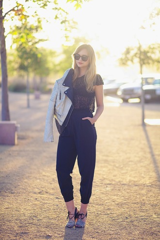 shoes jewels pants t-shirt jacket underwear sunglasses late afternoon