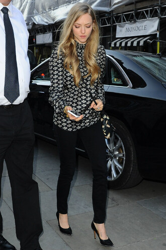 bag purse blouse amanda seyfried pumps