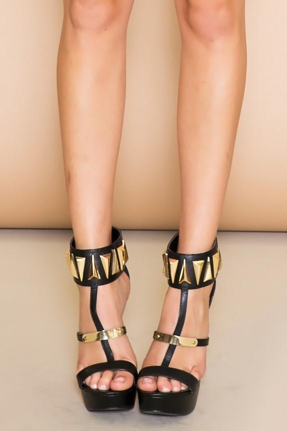 Farah triangle plated heel