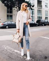 jeans,ripped jeans,cropped jeans,coat,white t-shirt,handbag,ankle boots,white boots,sunglasses