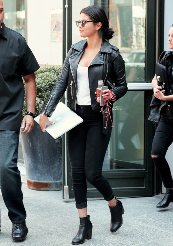Jeans Selena Gomez Jeans Black White Top Boots