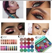 make-up,eye makeup,eyeshadow palette,smokey eyes,eyeliner,eyebrows