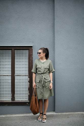 dariadaria blogger khaki shirt dress topshop