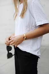 jewels,bracelets,diamonds,gold,shirt,sunglasses,ring,jewelry