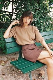 skirt,brown skirt,jeanne damas,fashionista,mini skirt,button up skirt,sweater,brown sweater