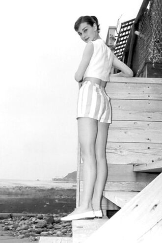 shorts audrey hepburn striped shorts top white top crop tops white crop tops flats ballet flats white flats white shoes summer outfits