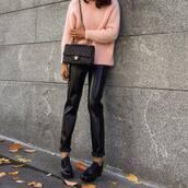 pants,tumblr,black pants,black leather pants,leather pants,vinyl,sweater,pink sweater,bag,black bag,quilted bag,chain bag,shoes,black shoes,black vinyl pants